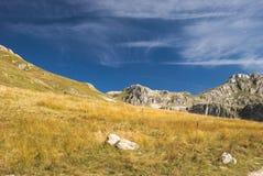 ` Kiljan de Niksin do ` de Ridge perto do lago Kapetanovo, Montenegro Imagem de Stock