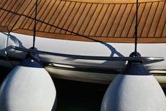 Kilka błękitów pławików fenders obraz stock