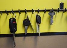 KILKA klucze NA haczykach Z RZĘDU zdjęcie royalty free