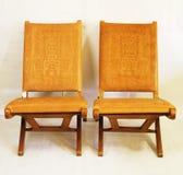 Kilka krzesła robić cowrzemiennymi Fotografia Stock