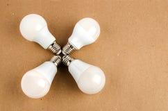 Kilka PROWADZILI energooszczędnego żarówki use oszczędnościowy i ekologicznie życzliwy żarówki pojęcie Obrazy Stock