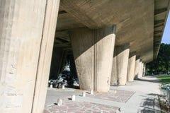 Kilka tapered owalu betonu poparcia Zdjęcie Stock