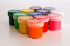 Kilka zamknięci słoje z kolorowym guaszem Zdjęcie Royalty Free