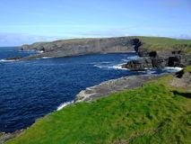 Kilkee峭壁Irelands 免版税图库摄影