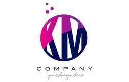 Kilomètre K M Circle Letter Logo Design avec Dots Bubbles pourpre Photographie stock
