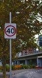 40 kilomètres par signe de limitation de vitesse d'heure image libre de droits