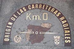 Kilometer nolla undertecknar in Madrid, Spanien. Royaltyfria Foton