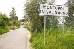 10 Kilometer-Spaziergang durch die Berge Lizenzfreie Stockfotos