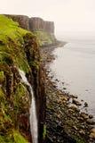 Kilten vaggar och vattenfallet i Skottland Arkivbilder