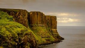 Kilten vaggar på ön av Skye, Skottland royaltyfri bild