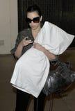 Kim Kardashian é visto abraçar seu descanso em RELAXADO fotografia de stock royalty free