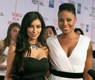Kim Kardashian och Sanaa Lathan Royaltyfria Bilder