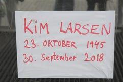 KIM LARSEN DENMARKS KOCHAJĄCY piosenkarz W muzeum narodowym zdjęcia stock