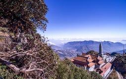 Kim Son Bao Thang Tu-Pagode op Fansipan-berg, hoogste de bergpiek van Fansipan van Indochina royalty-vrije stock afbeelding