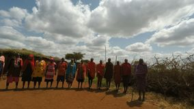 Kimana, Kenia, circa, traditionellem massai Dorf im Juni 2018 in Kenia stock footage