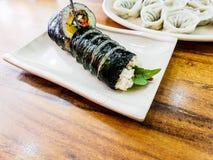 Kimbap Gimbap ? o alimento coreano o mais popular Seoul, Coreia do Sul foto de stock royalty free