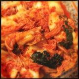 Kimchi en viscroquetjes royalty-vrije stock fotografie
