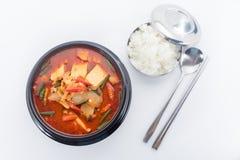 Kimchi gulasz, kimchi chigae, koreańska kuchnia, kimchi polewka z ste Zdjęcia Stock