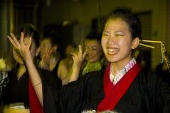 kimono för japan för dansarekvinnligfestival Royaltyfri Fotografi