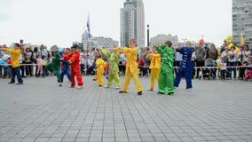 Kimonoungar, karate under sportutställningen 2014, Kiev, Ukraina, stock video