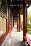 Kina antik byggnadskorridor Arkivfoto