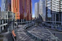 Kina Beijing kommersiell StreetâSanlitun by arkivbilder