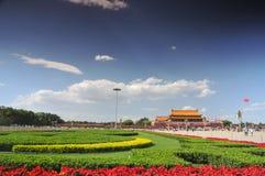 Kina förbereder sig för 90th på Tiananmen royaltyfri foto
