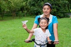 Kina fostrar och dottern Royaltyfria Foton