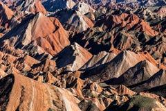 Kina Gansu Zhangye Danxia parkerar Geomorphic geologiskt royaltyfri bild