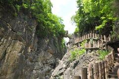 Kina guizhou anshun, landskap för sceniskt område för vattenfall för huangguoshu för stjärnafärjabro naturligt arkivbild