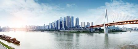 Kina & x27; stadshorisont för s Chongqing Arkivfoto