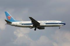 Kina sydliga Boeing 737-800 Fotografering för Bildbyråer
