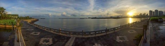 Kina tropiskt kust- landskap för Hainan ö Royaltyfri Foto