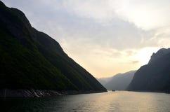 Kina Yangtze River Three Gorges scenisk extrakt Arkivfoto