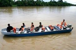 Kinabatangan河徒步旅行队 免版税库存图片