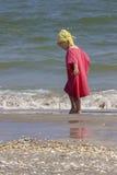 Kind aan de overzeese kant Stock Foto