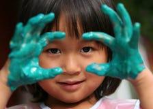 Kind & het schilderen baan stock afbeelding