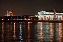 Kind on the Arrow of Vasilevsky. Island  Sankt-Peterburg at night Stock Photography
