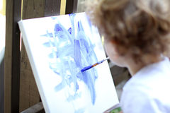 Kind Art Fingerpainting Lizenzfreie Stockbilder