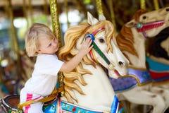 Kind auf dem Pferd Lizenzfreies Stockbild