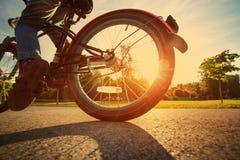 Kind auf einem Fahrrad Stockfoto