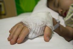 Kind auf salzigem Tropfenfänger Lizenzfreie Stockfotografie