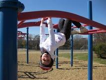 Kind auf Spielplatz Lizenzfreie Stockfotografie