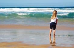 Kind auf Strand Stockbild