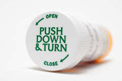 Kind-Beweis-Pille-Flasche Stockfoto
