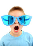 Kind in Big Blue-Gläsern Lizenzfreies Stockfoto