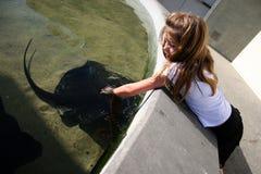 Kind bij het Aquarium Royalty-vrije Stock Afbeelding