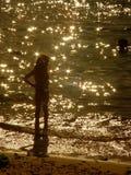 Kind bij het strand Stock Afbeelding
