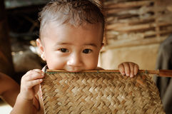 Kind bij Nepali-vluchtelingskamp in Nepal royalty-vrije stock afbeelding