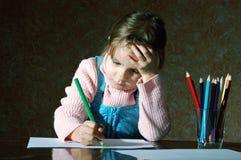 Kind, das Schuleheimarbeit tut Lizenzfreies Stockbild